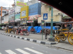 Andong on Malioboro waiting for customers.